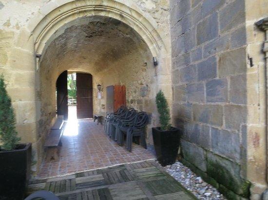Chateau des Ducs de Joyeuse: Una de las entradas