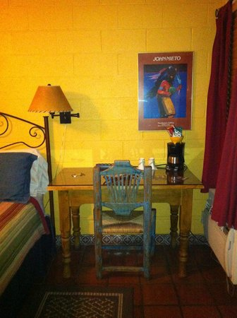 Santa Fe Motel & Inn: desk
