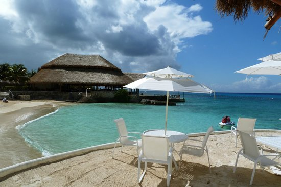 Presidente Inter-Continental Cozumel Resort & Spa: Relaxing Beach Area