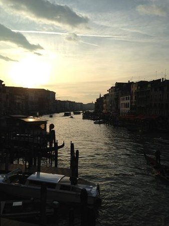 Aqua Palace Hotel: sun set over the grand canal