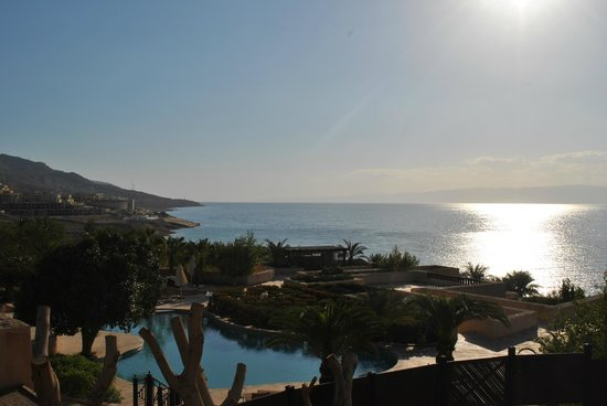 Movenpick Resort & Spa Dead Sea: Pools