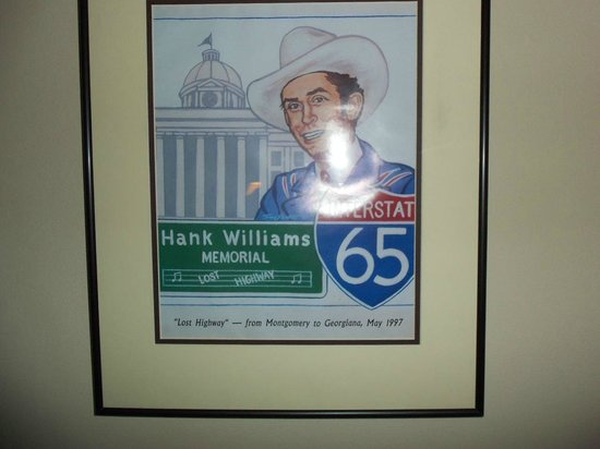 Hampton Inn & Suites Montgomery-Downtown: Hank Williams .. Museum is right next door.