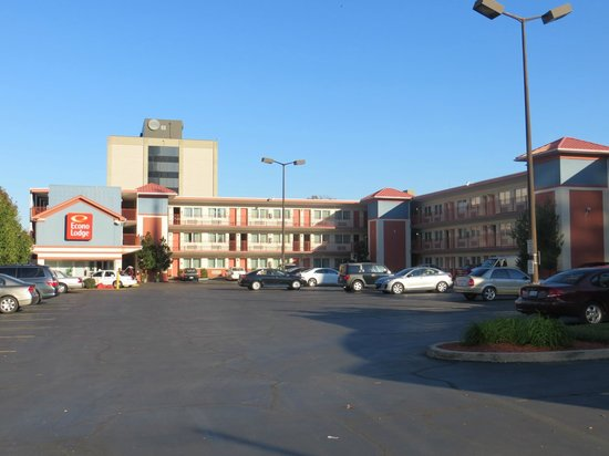 Econo Lodge Downtown: Hotel exterior