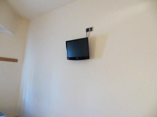 โรงแรมอัคต้า อันติเบส: Television in Room