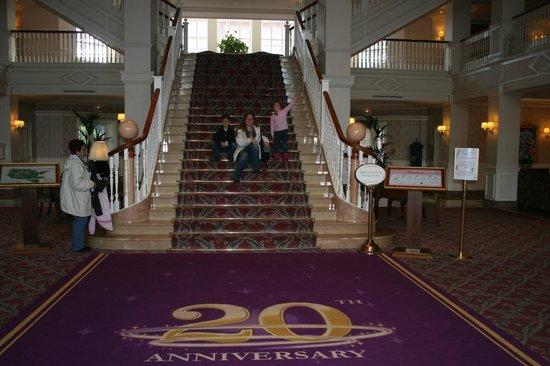 Disneyland Hotel: Nuestra escalera