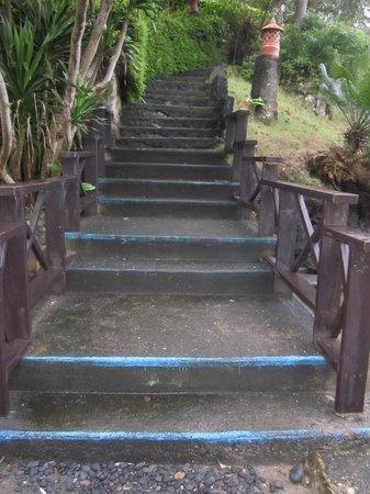 Lembeh Resort: More steps