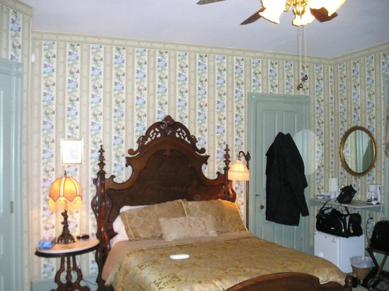 Columbia House: Bedroom