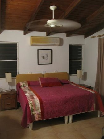 Mango Bay Resort: Bedroom (Unit 2)