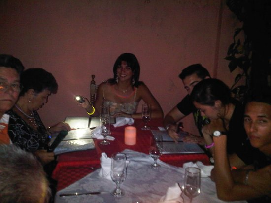 Blue Bahia Bar Restaurante: The entire family dined outside for my nieces sweet 16 dinner.  A perfect evening!