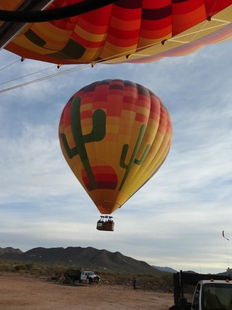 Hot Air Expeditions: Fun Ballon's Day. Beyond our expectations.