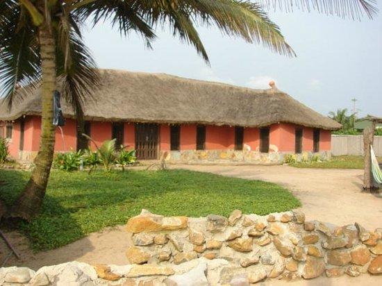 Safari Beach Lodge: view of beach house