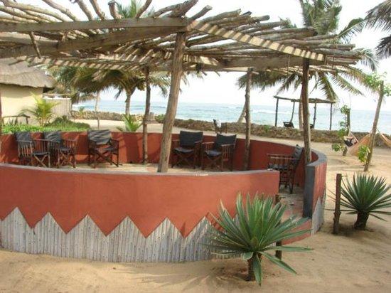Safari Beach Lodge: their fire pit