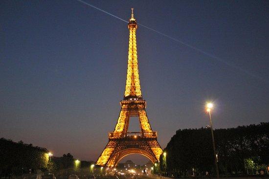 La tour eiffel picture of paris ile de france tripadvisor - Restaurant dans la tour eiffel ...