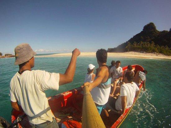 Castaway Island Day Trip: llegando a la isla