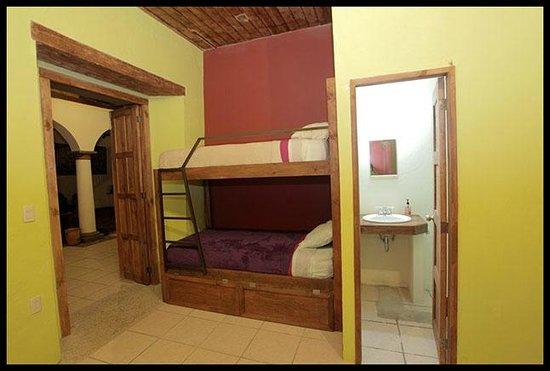 Puerta Vieja Hostel: Private Room Ensuite