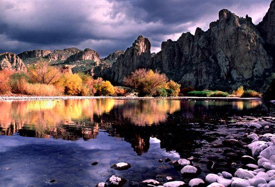 Saguaro Lake Guest Ranch: The Bulldog Mountains