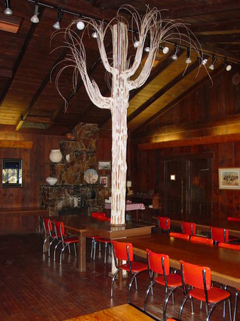 Saguaro Lake Guest Ranch: Dining Room