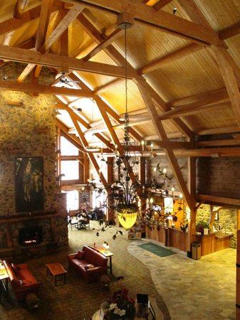 Hope Lake Lodge & Conference Center: Lobby