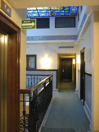 Hampton Inn & Suites Mexico City - Centro Historico: Hallway