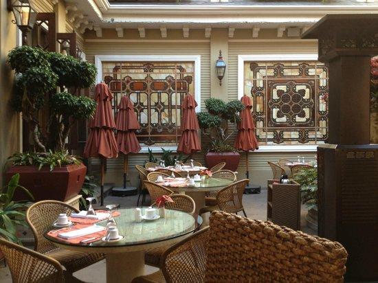 Hotel Grano de Oro San Jose: Breakfast