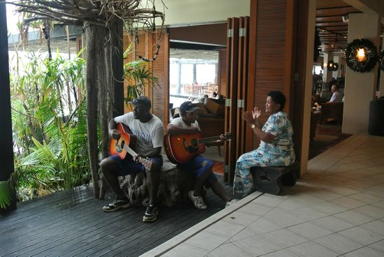 Sonaisali Island Resort Fiji: The lovely staff providing some live entertainment