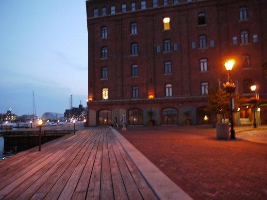 Inn at Henderson's Wharf: Henderson's Wharf view