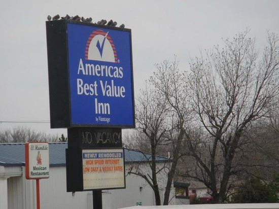 Americas Best Value Inn Pryor: Sign