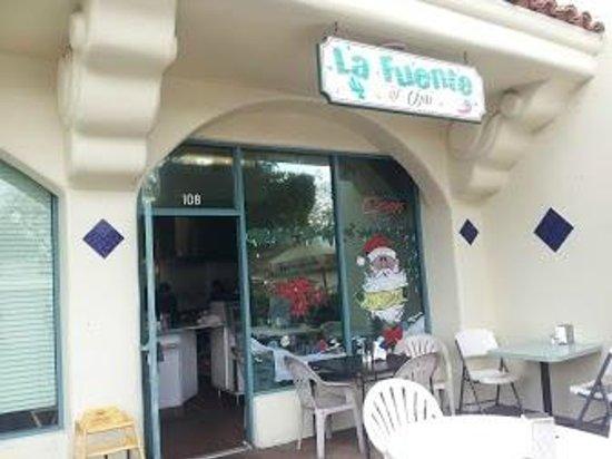 La Fuente Mexican Restaurant: Exterior