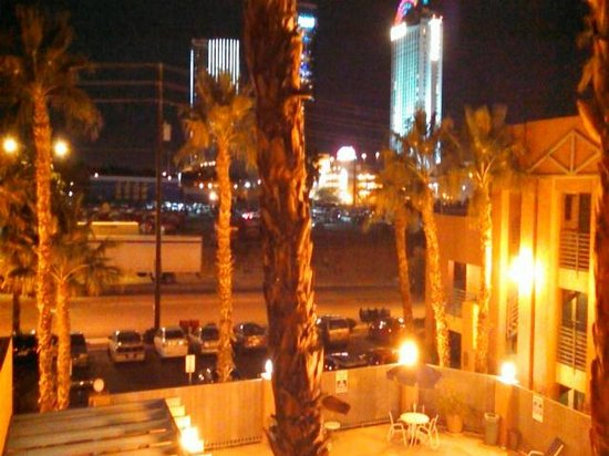 Extended Stay America - Las Vegas - Valley View: Palms Hotel and pool side