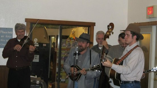 Deer Ridge Mountain Resort: Bluegrass Band New Years Eve