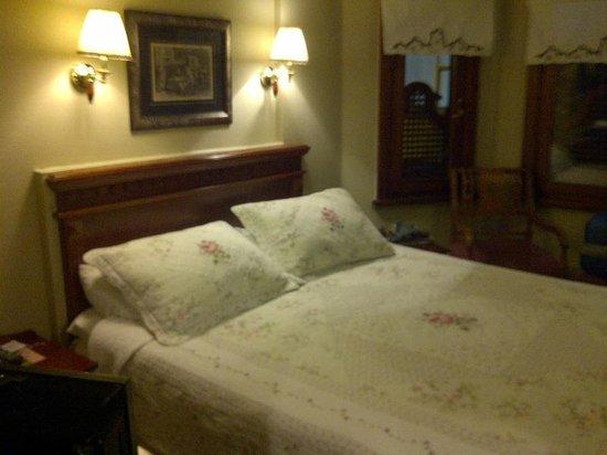 Emine Sultan Hotel: 寝心地の良いベッド