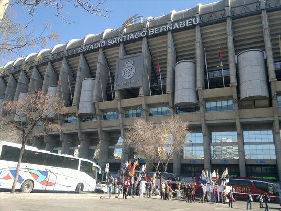Stadio santiago bernabeu madryt zdj cie santiago for Puerta 6 santiago bernabeu