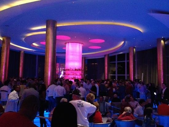 Fontainebleau Miami Beach: lobby bar