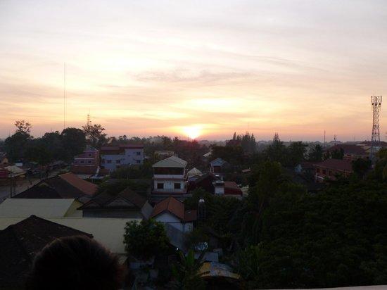 Angkor Sayana Hotel & Spa : Sun rise