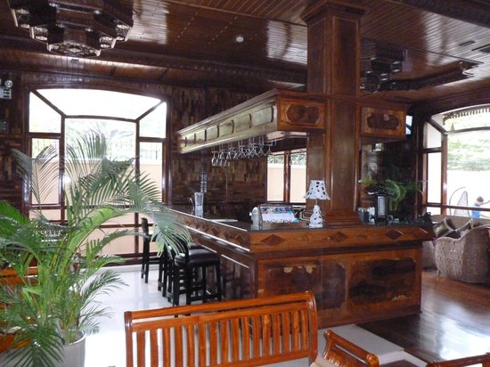 Angkor Sayana Hotel & Spa: Bar counter