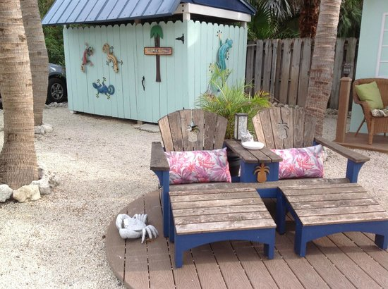 Island Bay Resort: Cabana for a quick change or to wash off the sand