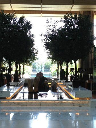 Hyatt Regency Chennai: the reception area