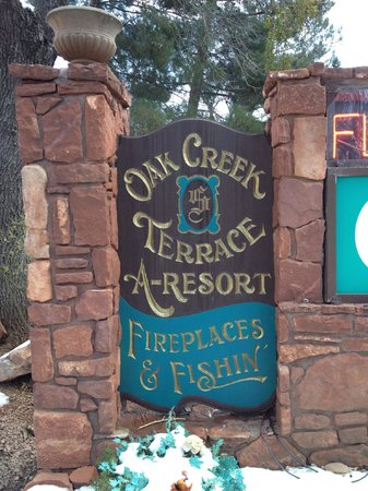 Oak Creek Terrace Resort: Welcome Sign