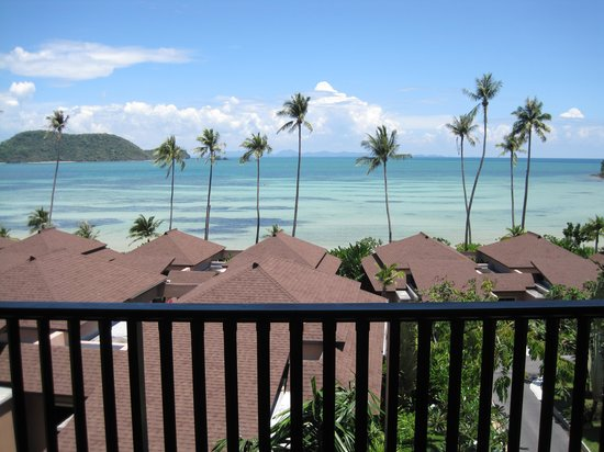 Radisson Blu Plaza Resort Phuket Panwa Beach: View from the lobby of the hotel