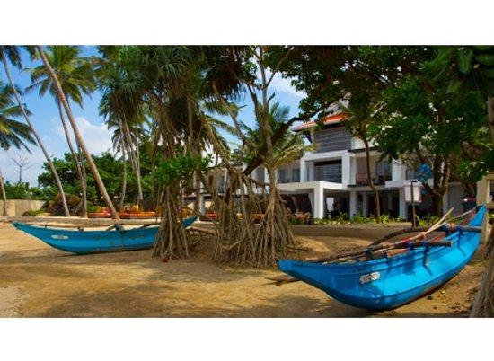 CoCo Bay Unawatuna: Beach