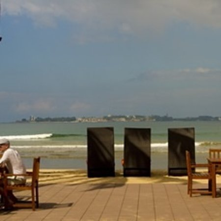 CoCo Bay Unawatuna: Beach deck