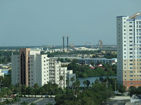Crowne Plaza Orlando - Universal Blvd: View from Executive Lounge