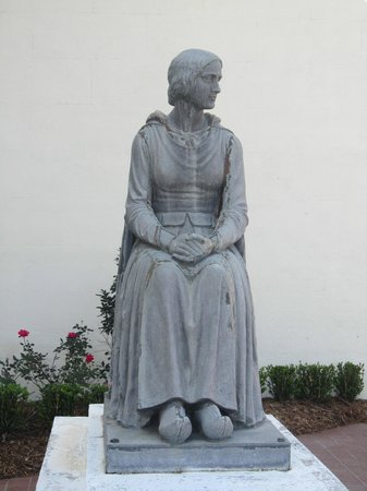 Church of St Martin de Tours: statue of exiled Acadian Evangeline