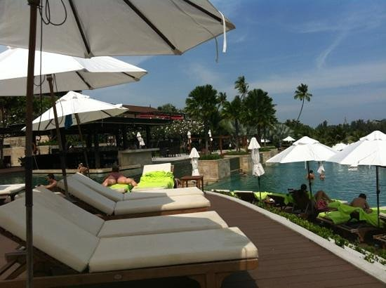 Pullman Phuket Panwa Beach Resort: pool bar at radisson blu 7 Jan 13
