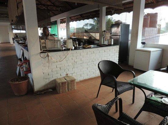 Bright Heritage: le restaurant avec la cuisine au milieu