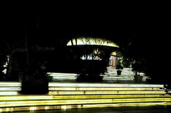 Taj Bekal Resort and Spa, Kerala: entrance to Ivory bar