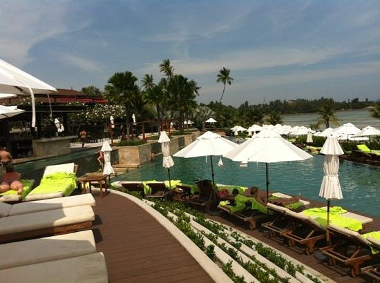 Radisson Blu Plaza Resort Phuket Panwa Beach: view of pool area
