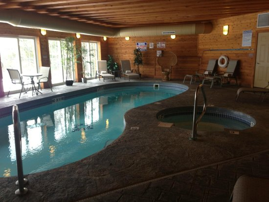 The French Manor Inn and Spa: POOL and hot tub...spa and gym adjacent