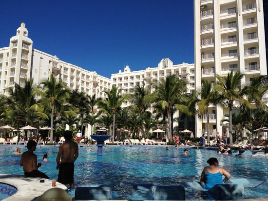 Hotel Riu Vallarta: View from the Adults Pool