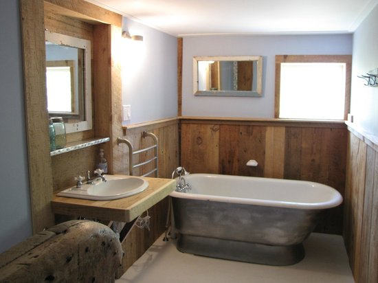 Olde Orchard Inn: Bathroom